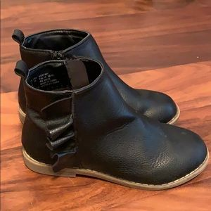 Other - Size 1 youth Gap boots excellent used condition
